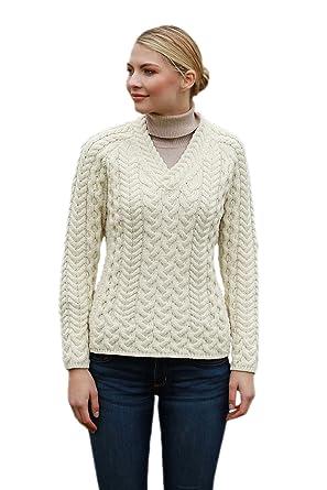 26222ff253fb Aran Woollen Mills Merino Wool Knit V Neck Fitted Ladies Sweater (X-Small)