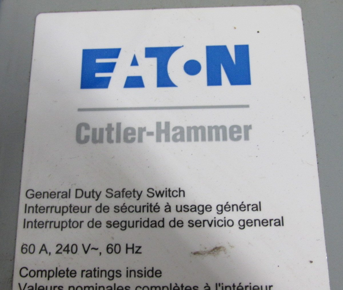 Eaton DG222UGB 2 Wire 2 Pole Non-Fusible B Series General-Duty Safety Switch 240 Volt AC 60 Amp NEMA 1 by Eaton