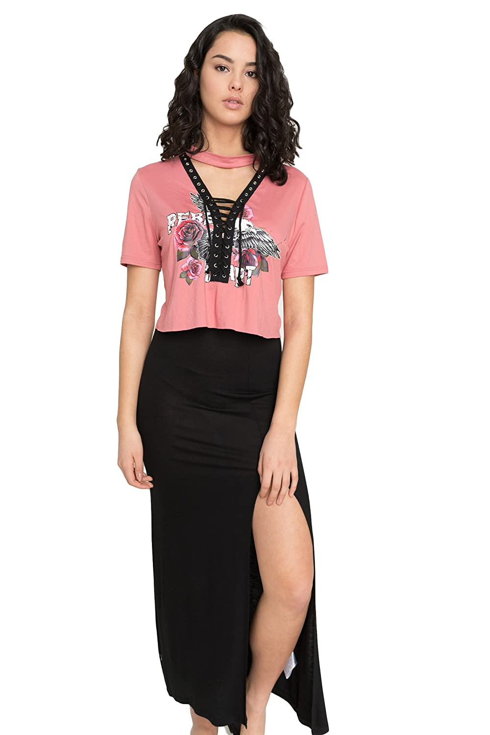 0926140710 Short sleeves, Graphic front. Super soft fabric, 92% polyester, 8% spandex.  Model is wearing size S We recommend referring to the Ardene size ...