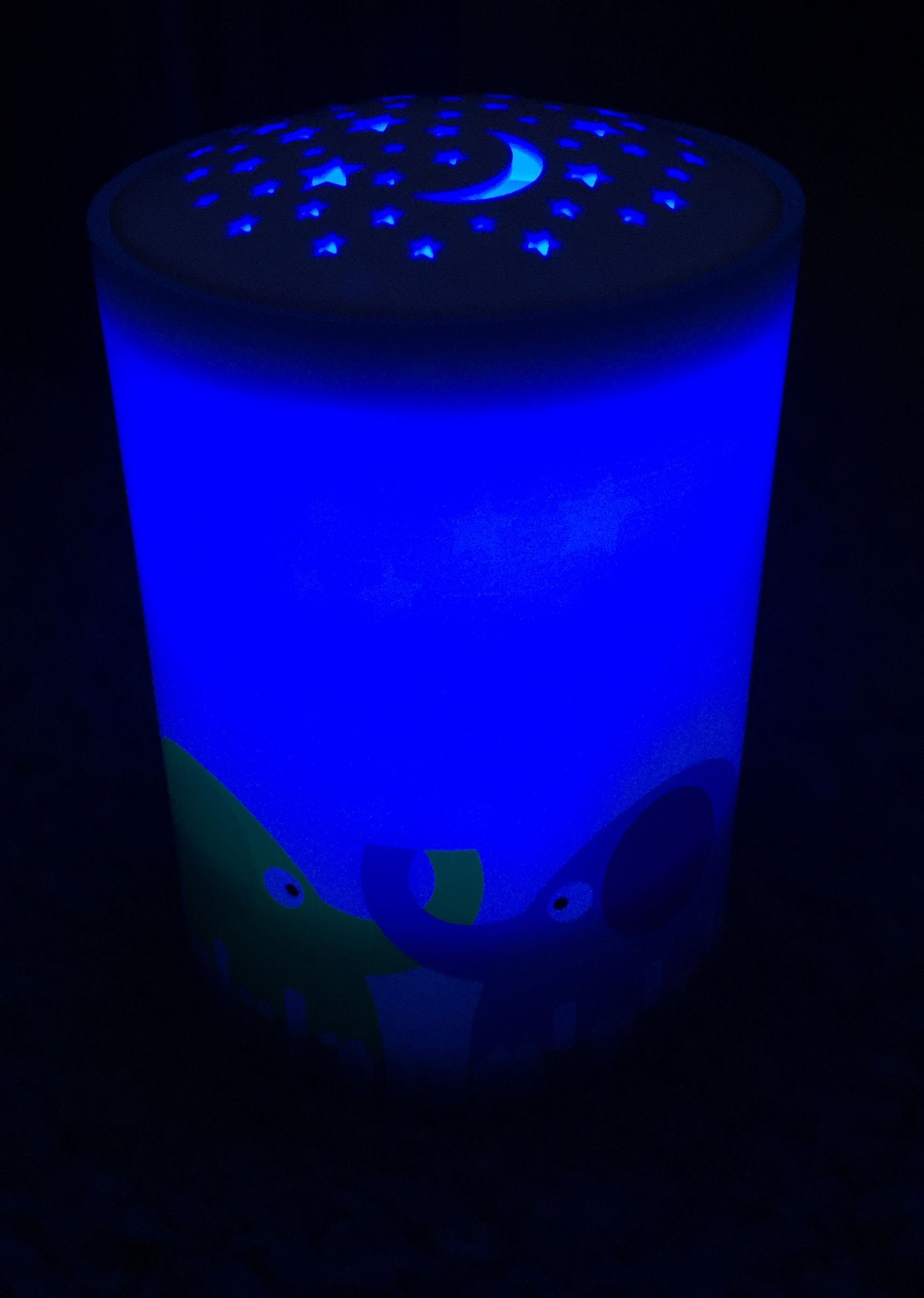 Energizer LED Elephant Projection Night Light- Blue Glow Light Place Anywhere in Room for Safety, Soothing, Calming Nights Good for Kids 30 Minute Timer
