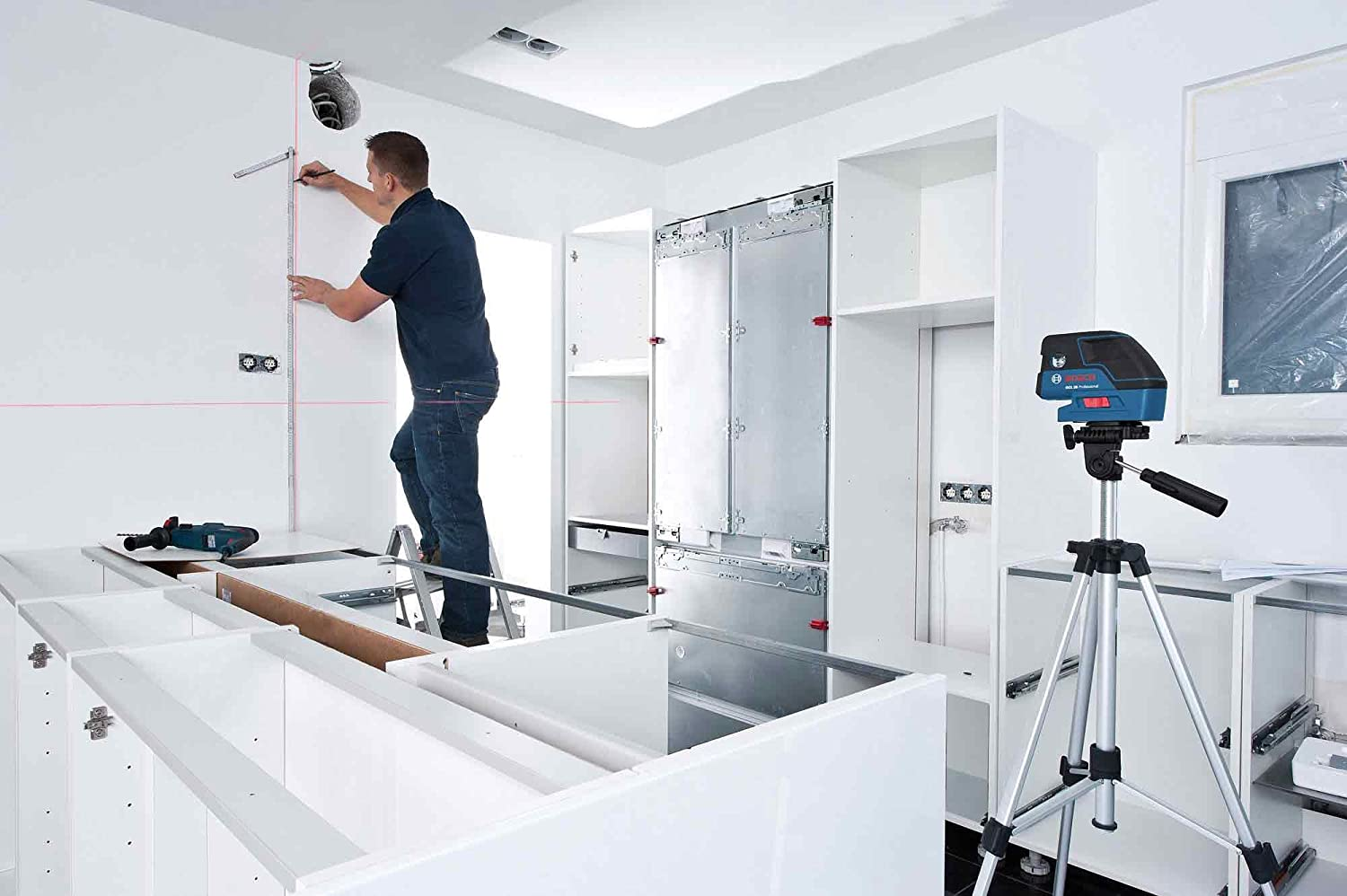 Bosch Self Leveling 5-Point Alignment Laser with Cross-Line GCL25
