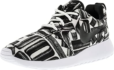 d36ac444f55c Image Unavailable. Image not available for. Colour  Nike Women s Roshe One  Print White Black-Black-White ...