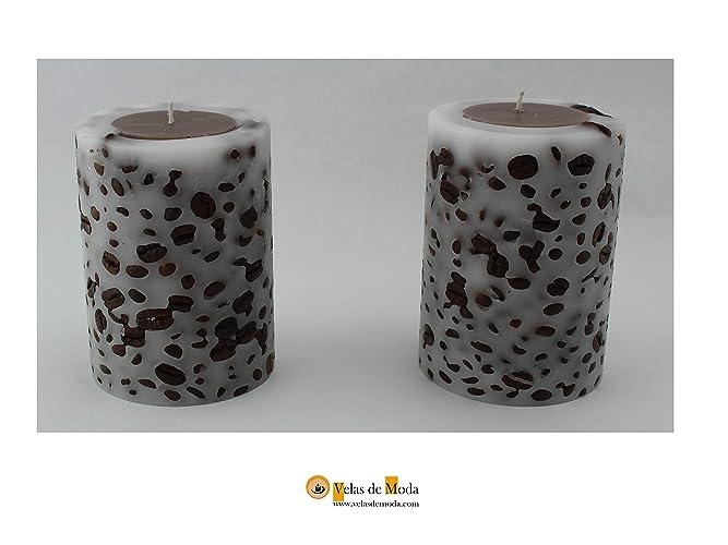 VELAS. CAFETAL. Pack de dos velas cilíndricas de color blanco y chocolate. Tienen incrustaciones de granos de café en la parte exterior.: Amazon.es: Handmade