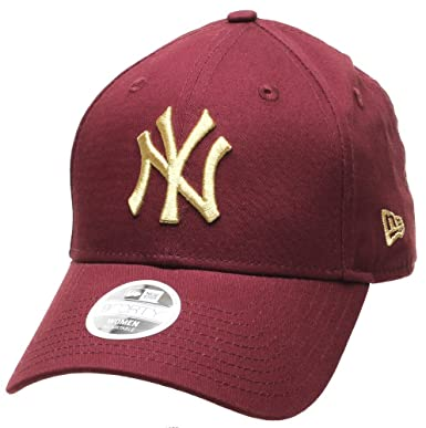 453b79502fc New Era MLB League Essential Womens 9FORTY Cap - NY Yankees - Maroon Gold   Amazon.co.uk  Clothing