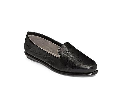 39be73ac9818 Amazon.com   Aerosoles Women's Betunia Slip-on Loafer   Loafers & Slip-Ons