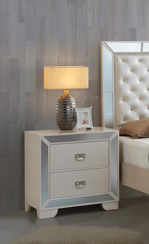 Glory Furniture G8100-N 3 Drawer Nightstand Pearl