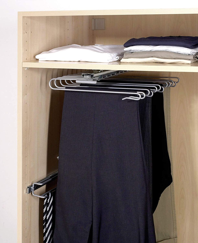 Hosen-aufhängen-kleiderschrank-ordnung-system-Schlafzimmer