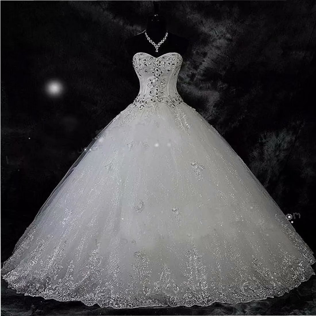 Chady Sweetheart Lace Rhinestone Plus Size Wedding Dresses Ball Gowns 2018  Court Train Wedding Gowns Tulle Bridal Dress White