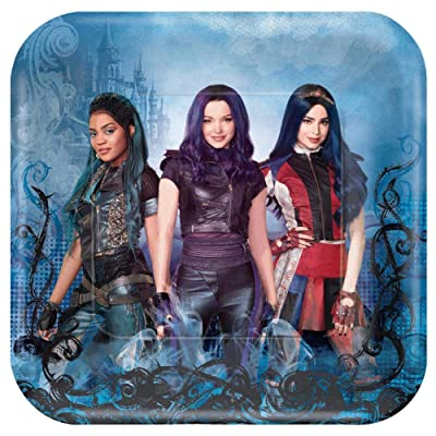 "Descendants 3-9"" Square Plates, 8 per pack: Toys & Games"