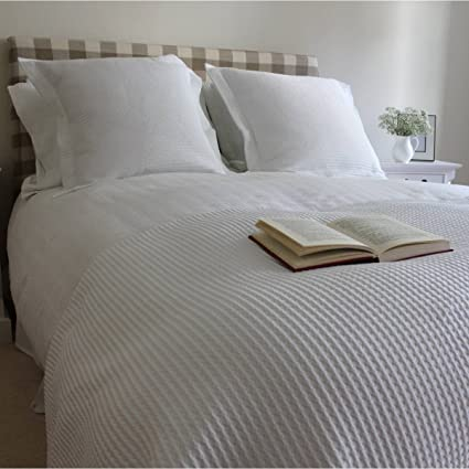 d2a0f496b4 Linea Luxury Cream Waffle Blanket Throw 230cm x 260cm King 100% Cotton   Amazon.co.uk  Kitchen   Home
