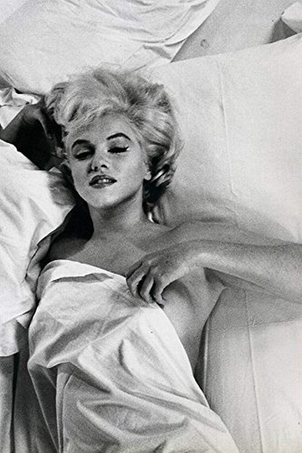 Amazon Com Buyartforless Rare Photograph Of Marilyn Monroe Hot Mess In Bed 12x18 Art Printed Poster Made In The Usa Posters Prints