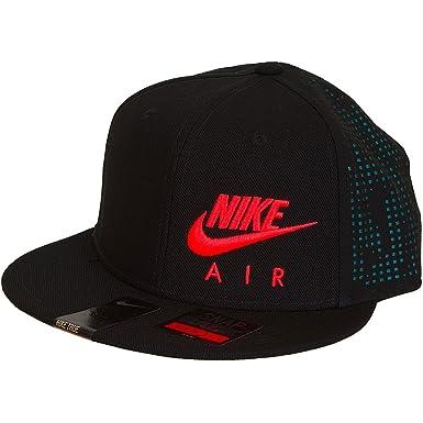 black nike trucker hat