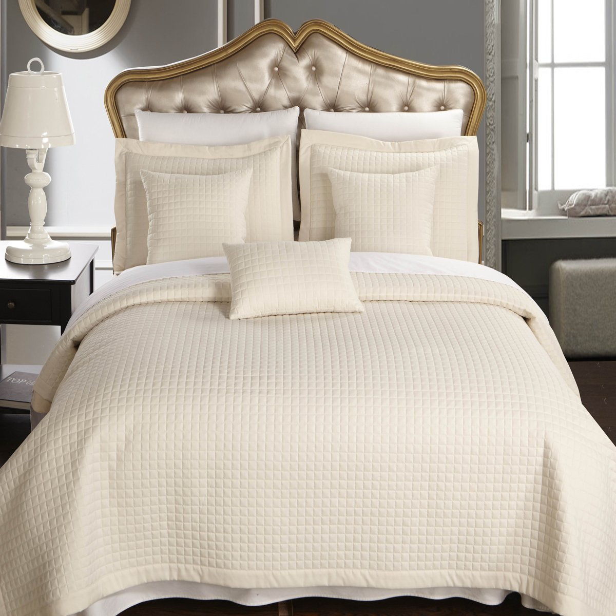 Full size Ivory Coverlet 6pc set, Luxury Microfiber Checkered Quilt and Pillows by Royal Hotel
