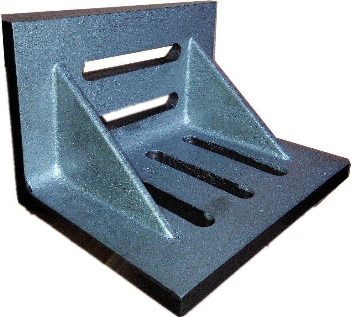 HHIP 3402-0302 4-1/2'' x 3-1/2'' x 3'' Slotted Angle Plate, Webbed