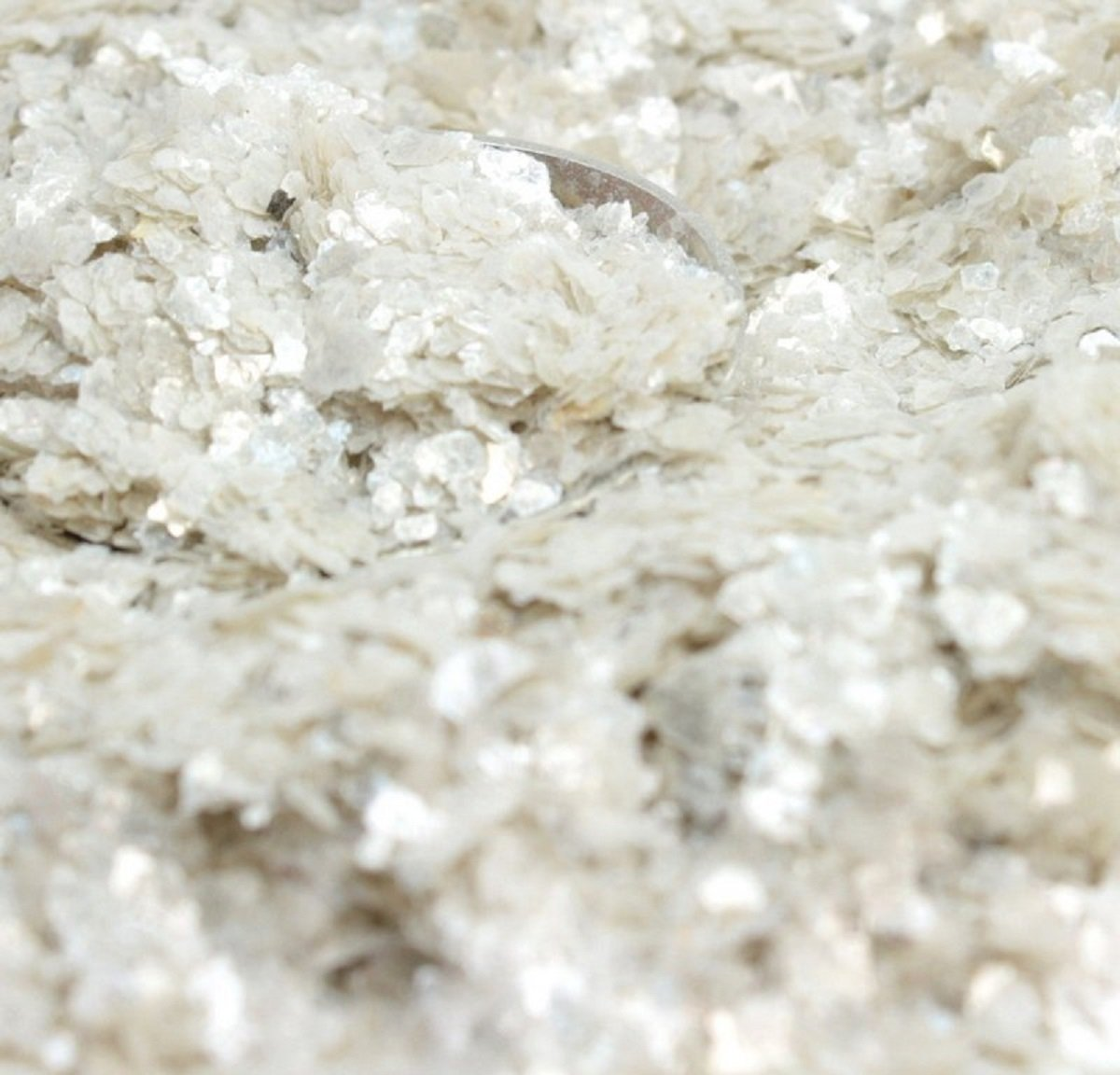 Meyer Imports Natural Mica Flakes - Cream White - 4 oz - #311-4347 by Meyer Imports (Image #1)