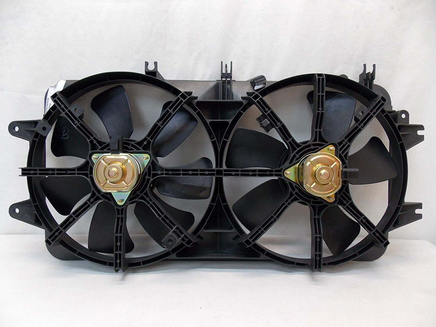 Automotive Cooling Radiator And Condenser Fan For Mazda 626 MA3115114 100% Tested