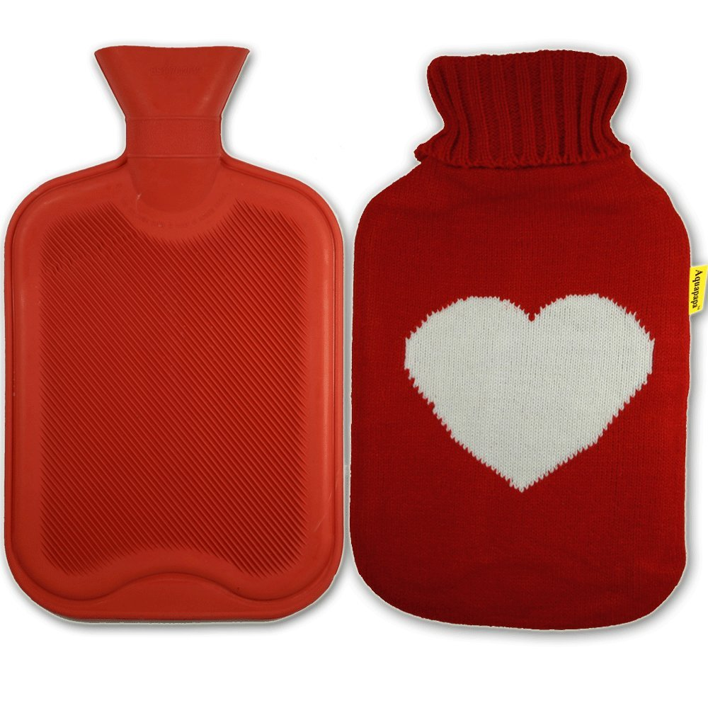 AQUAPAPA Large 1/2 Gallon Classic Non Toxic Natural Rubber Hot Water Bottle with Big Heart Red Knit Cover, 2 Liters
