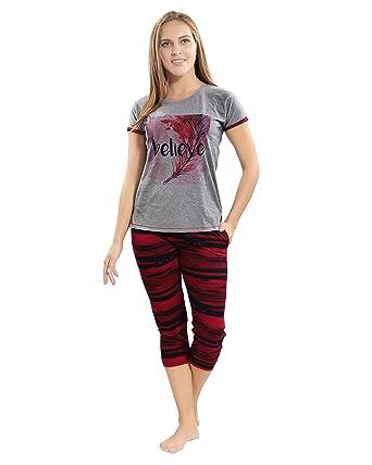 6aa40012bd AV2 Women Cotton Top   Capri Nightwear or Loungewear Set 2774  Amazon.in   Clothing   Accessories