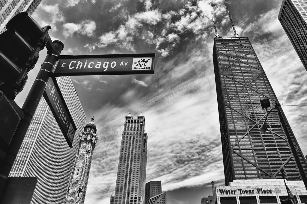新着 シカゴミシガン州Avenue Street 14インチ Sign 36x54 Chicago Illinoisブラックandホワイトフォトフレーム付きポスターby B07C7LVFQ3 proframes 20 x 14インチ 36x54 inches 36x54 inches Poster B07C7LVFQ3, 釣具のバスメイトインフィニティ:7fb87633 --- by.specpricep.ru