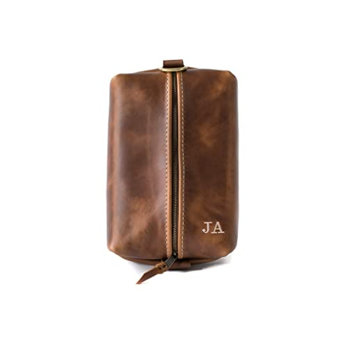 f46af487b4b6 Amazon.com  Heirloom Leather Dopp Kit Bag
