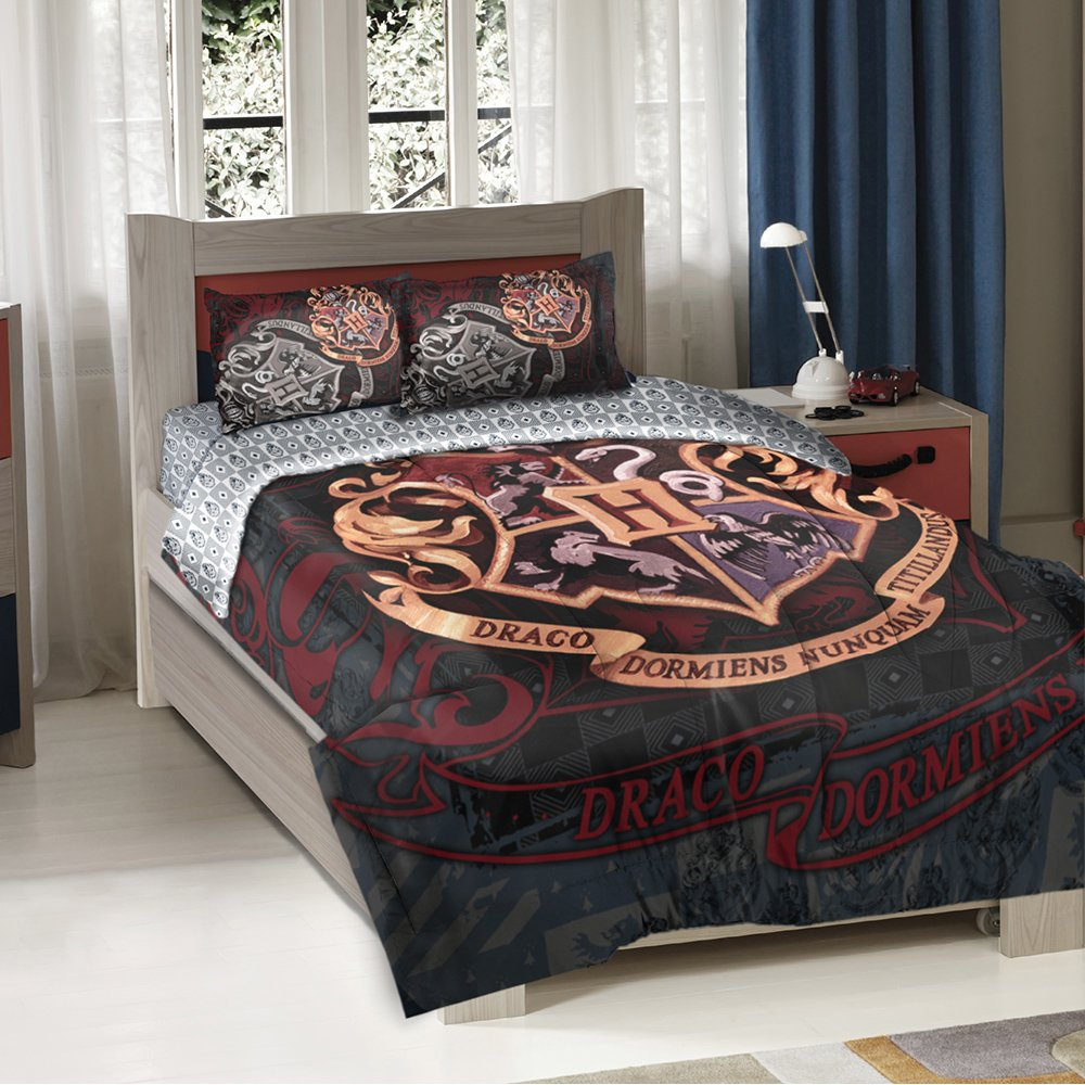 """Harry Potter,''School Motto'' Twin/Full Comforter with Two Pillow Shams, 72"""" x 86"""""""