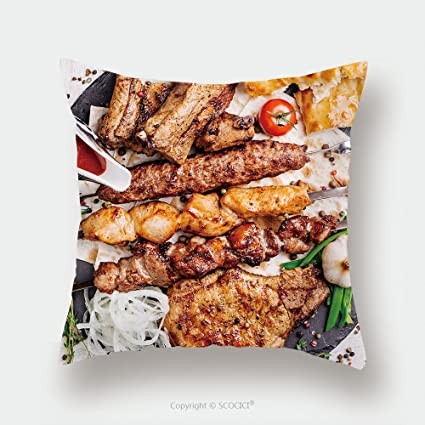 Custom almohada de raso pantalla saludable barbacoa diferentes carne con verduras y Salsa servido con un