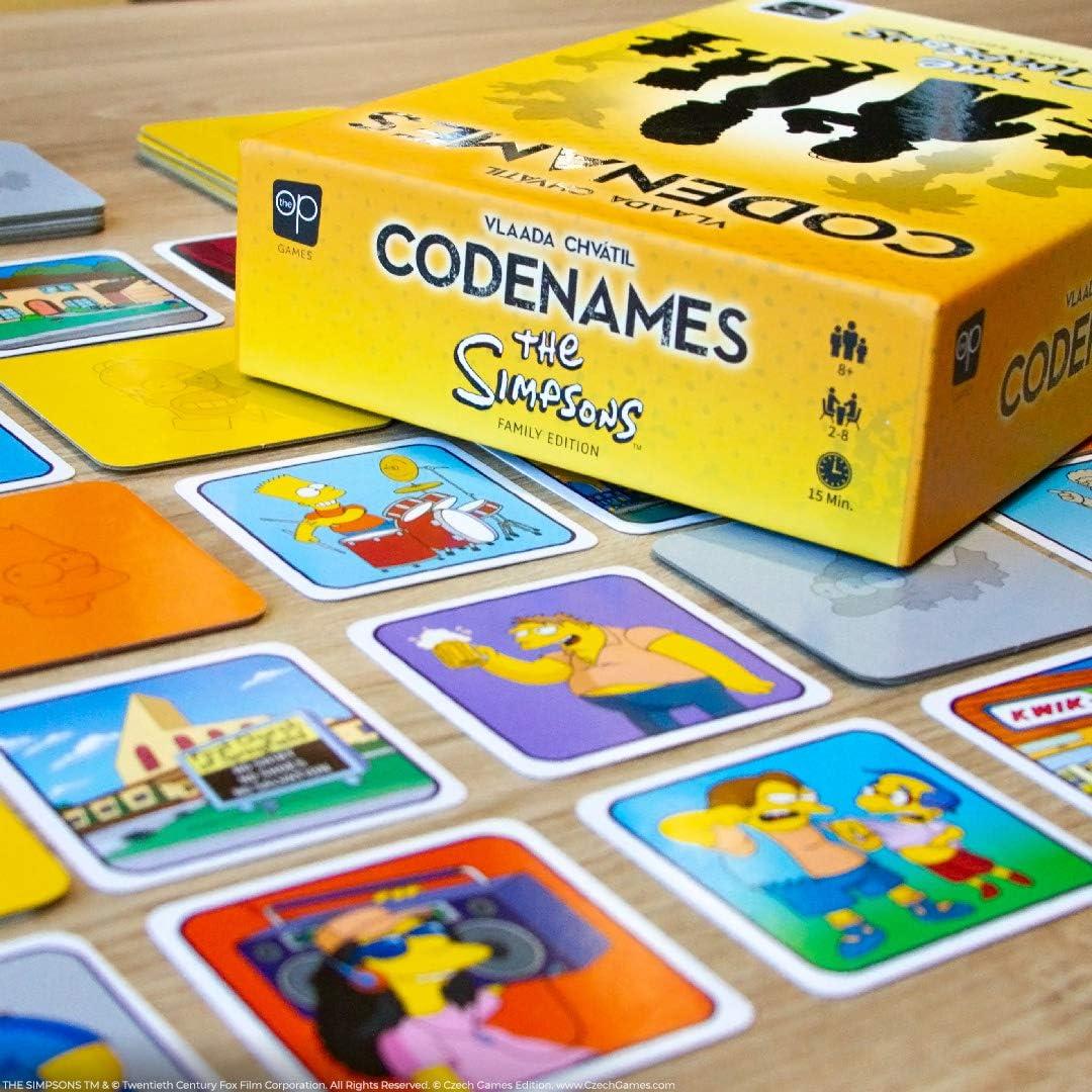 CODENAMES The Simpsons Edition | con Ilustraciones de Sus Temporadas favoritas de Simpsons | Juego de Simpsons con Licencia Oficial | Juego de Mesa de la Familia Codenames: Amazon.es: Juguetes y juegos