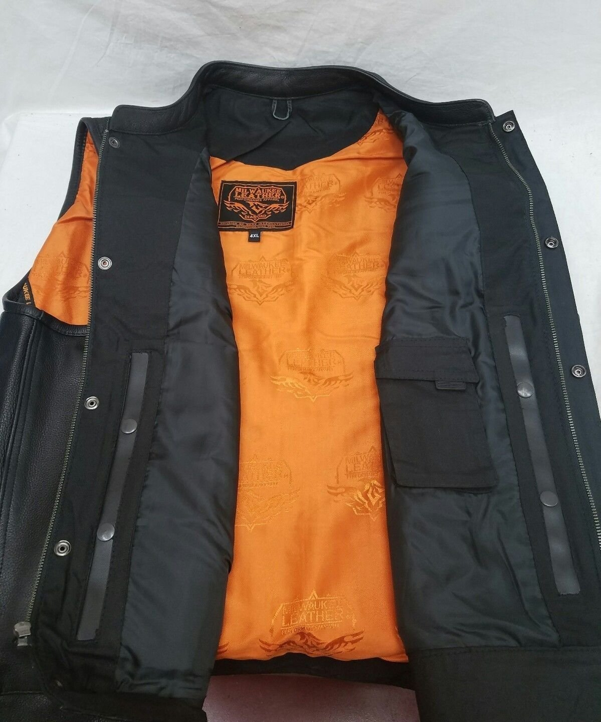 Milwaukee MENS MOTORCYCLE SON OF ANARCHY STYLE BUTTER SOFT LEATHER VEST W//O COLLAR NEW XL Regular