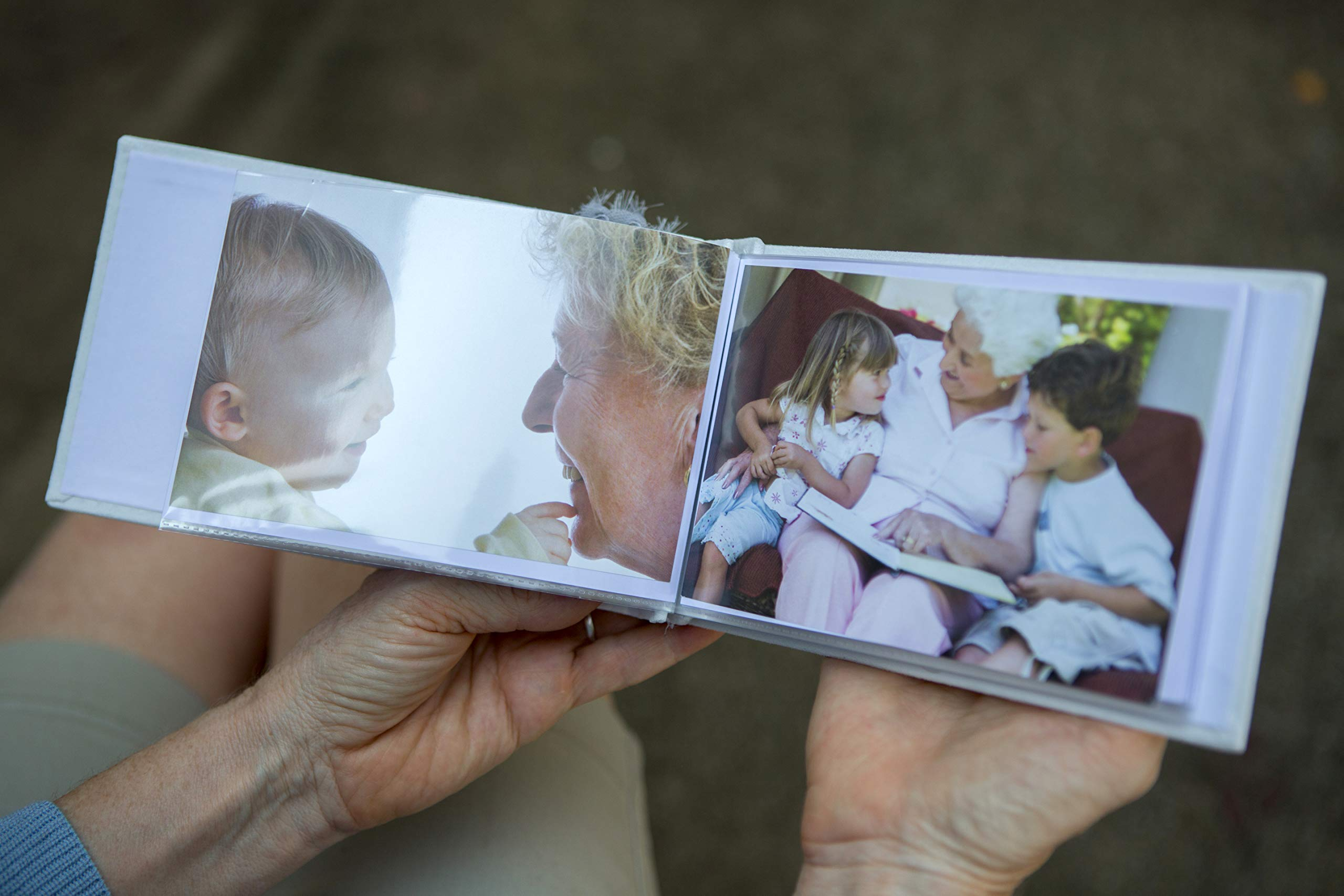 The Grandparent Gift Great-Grandma Gift Grandparent Photo Brag Book