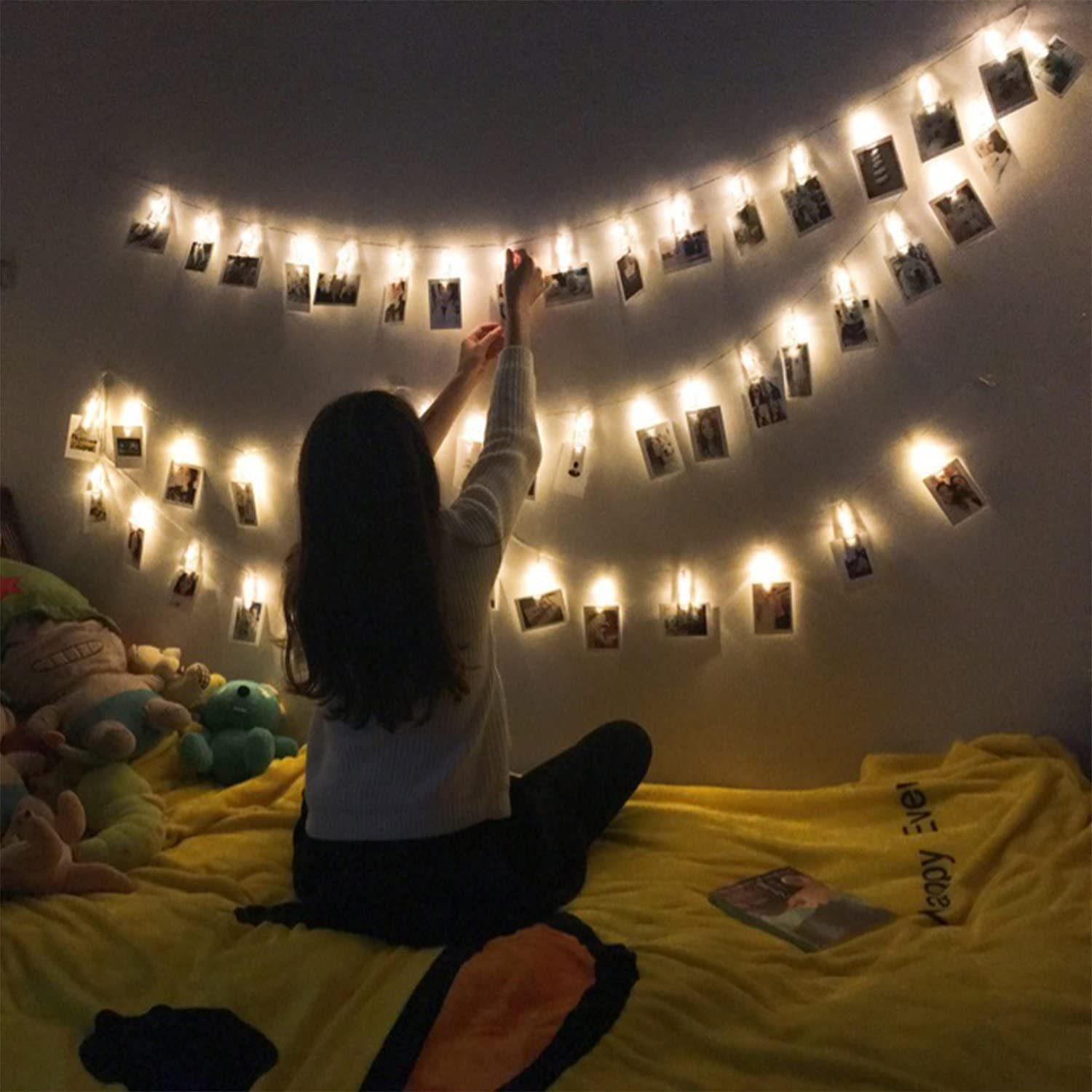 BIWOWE Photo Clips String Lights Battery & USB Powered 8 Modes Picture Hanging Lights 40 LED Photo String Lights with Clips-Perfect Dorm Bedroom Wall Decor Wedding Decorations