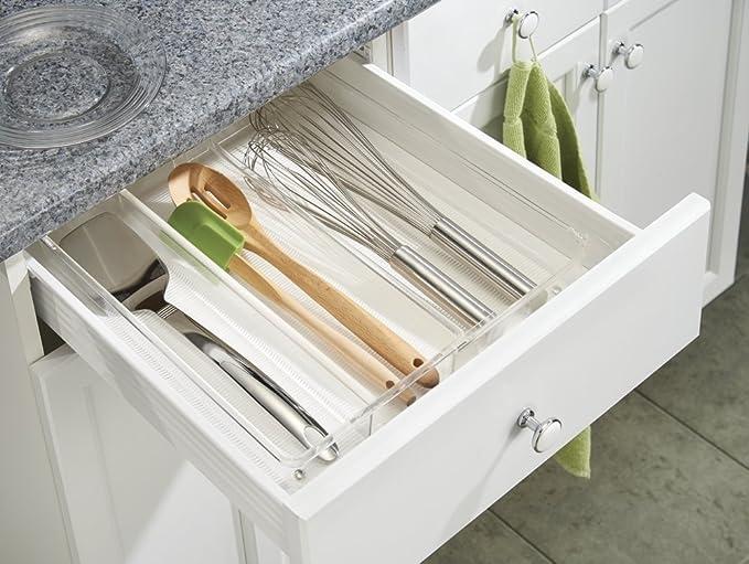 mDesign - Organizador expandible de cajón de cocina; organiza cubiertos, espátulas, adminículos - 20 x 38 x 6 cm - Claro