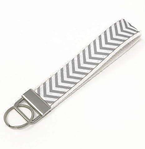 Amazon.com: Llavero de pulsera de algodón blanco con patrón ...
