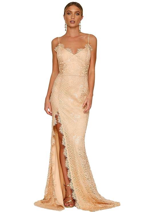 8a2cd3fee2eb Elegante abito da donna in pizzo cigliato color pesca con bretelle sottili  e apertura posteriore