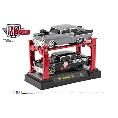 M2 MACHINES 1:64 AUTO-LIFT 2-PACK 1957 CHEVY 150 SEDAN GROUND POUNDERS DIECAST TOY CAR 33000-15: Toys & Games