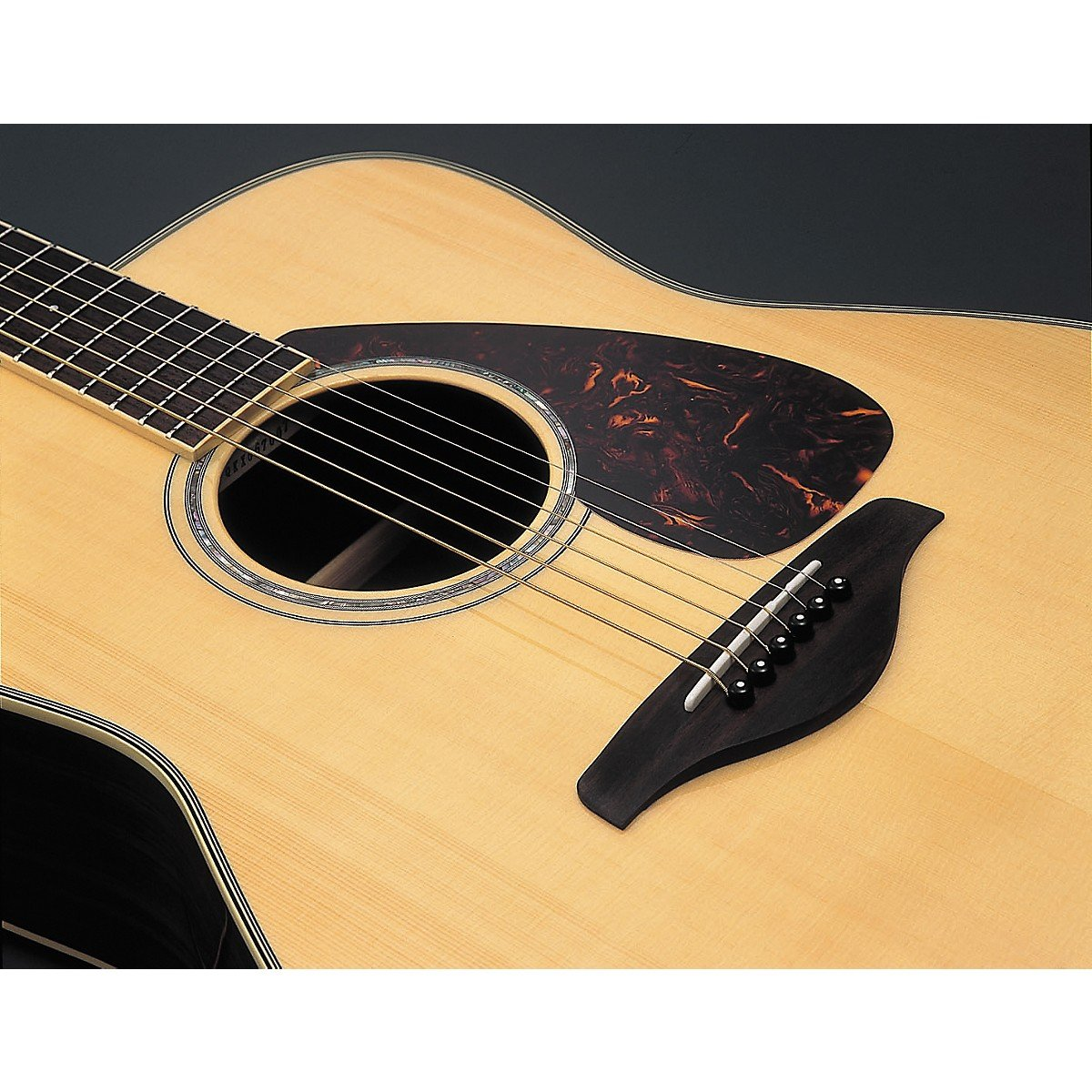 best-yamaha-acoustic-guitar-reviews