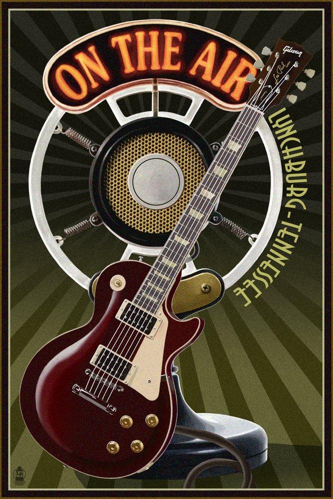 Lynchburg、テネシー州 – ギターとマイク 36 x 54 Giclee Print LANT-44325-36x54 36 x 54 Giclee Print  B017E9YMXK