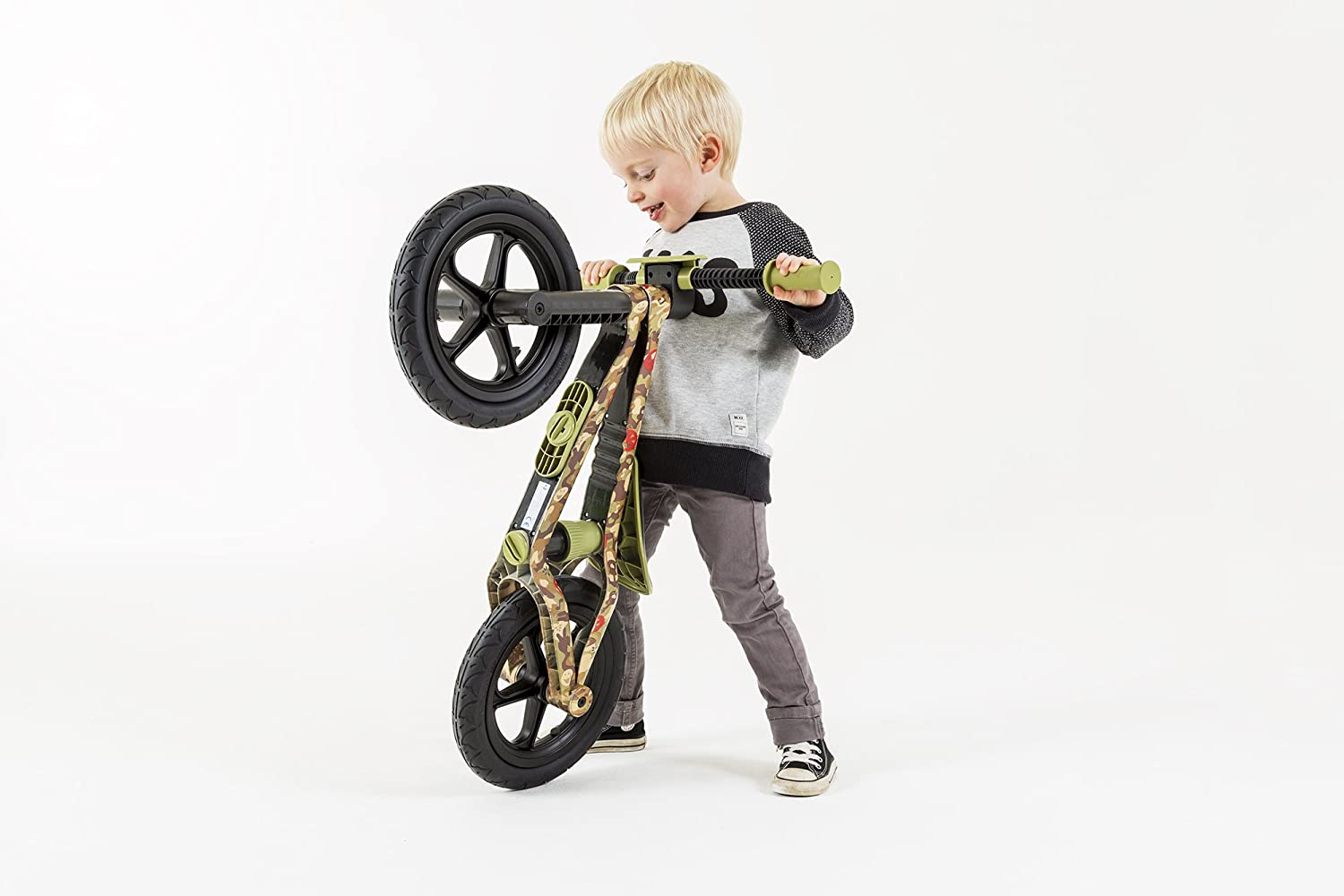 13 chillafish bmxie rs bmx balance bike with airless rubberskin tires army of love edition. Black Bedroom Furniture Sets. Home Design Ideas