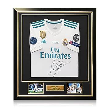 exclusivememorabilia.com Camiseta de fútbol Final de la Liga de Campeones del Real Madrid firmada por Sergio Ramos. En Marco de Lujo: Amazon.es: Deportes y ...