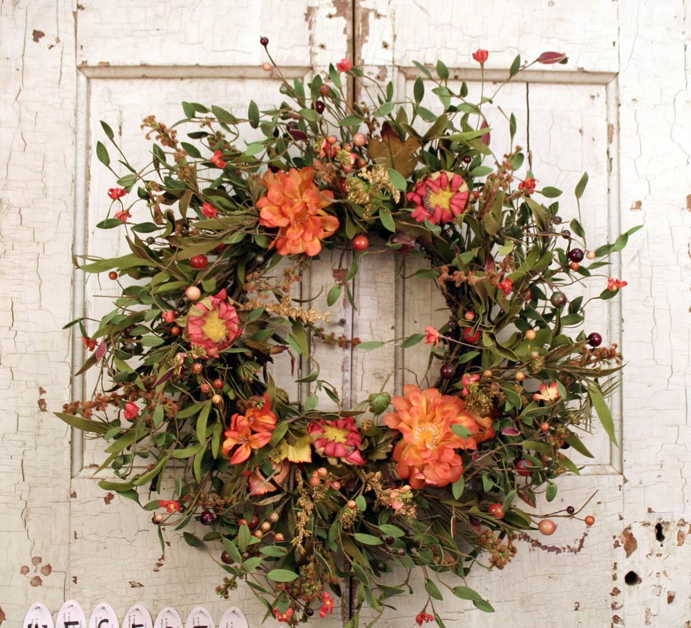 20'' Fall - Everyday wreath with mixed flowers, berries, and long foam leaves. Great for smaller door. by Wreath Warehouse