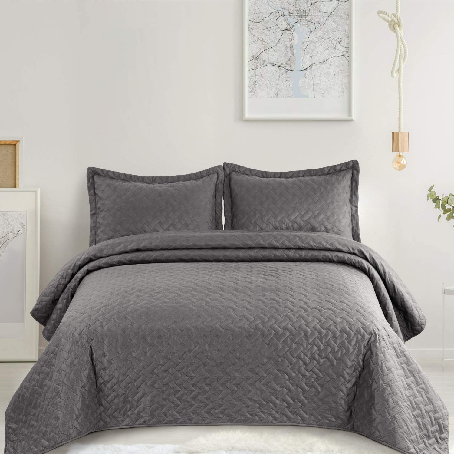 Bedspread - Soft Microfiber Lightweight Coverlet for All Season - 3 Pieces Includes 1 Quilt, 2 Shams