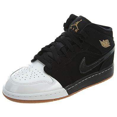 f2260a9002eb8 Jordan Chaussures de Basket pour Enfants Taille 4.5 Noir  Amazon.fr ...