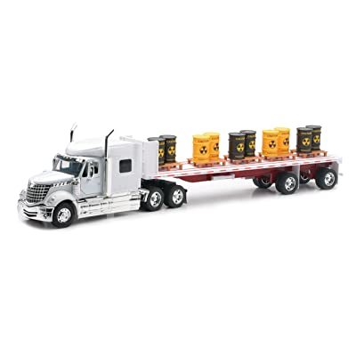 Newray International Lonestar Flatbed with Radioactive Waste Barrels 1/32 Scale Model Toy Truck: Toys & Games