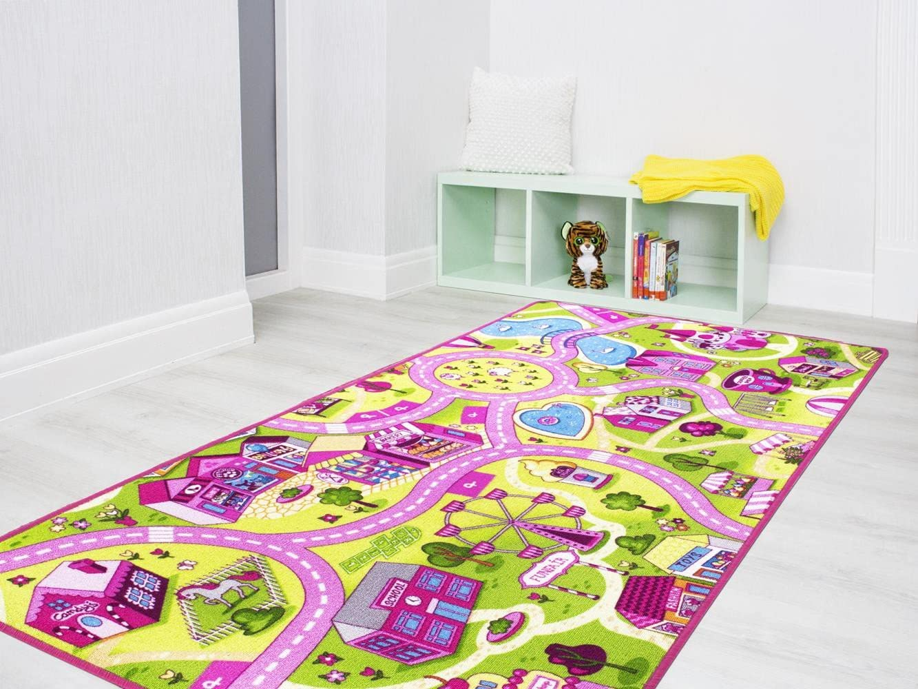 Sugar Town Tapis de Jeu pour Enfants avec Routes et Village Certificat Gut//Prodis Taille:100x165cm Tapis de Jeu Amusants avec Design Urbain