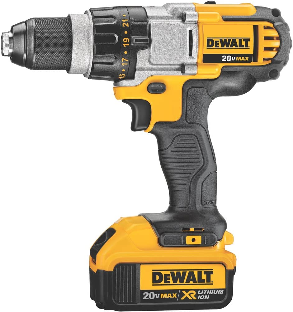 DEWALT 20V MAX Drill Driver, 3-Speed, Premium 4.0Ah Kit DCD980M2