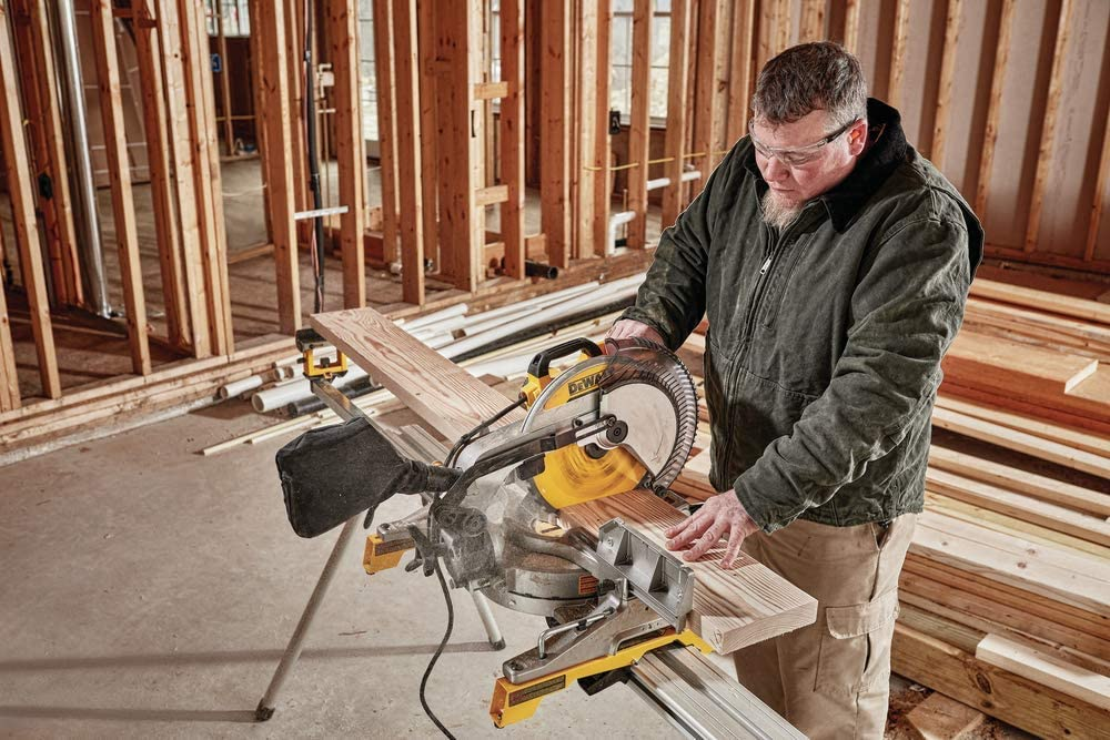 DEWALT DWS709 vs DWS779 Miter Saw – Which One Do You Choose?