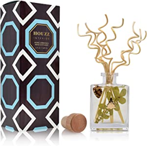 HOUZZ Interior Woodland Pine Reed Diffuser Oil Set – Cedar, Pine Needles and Sandalwood – Beautiful Display for Your Holiday Decor – Natural Essential Oil Room Scent Infuser Sticks
