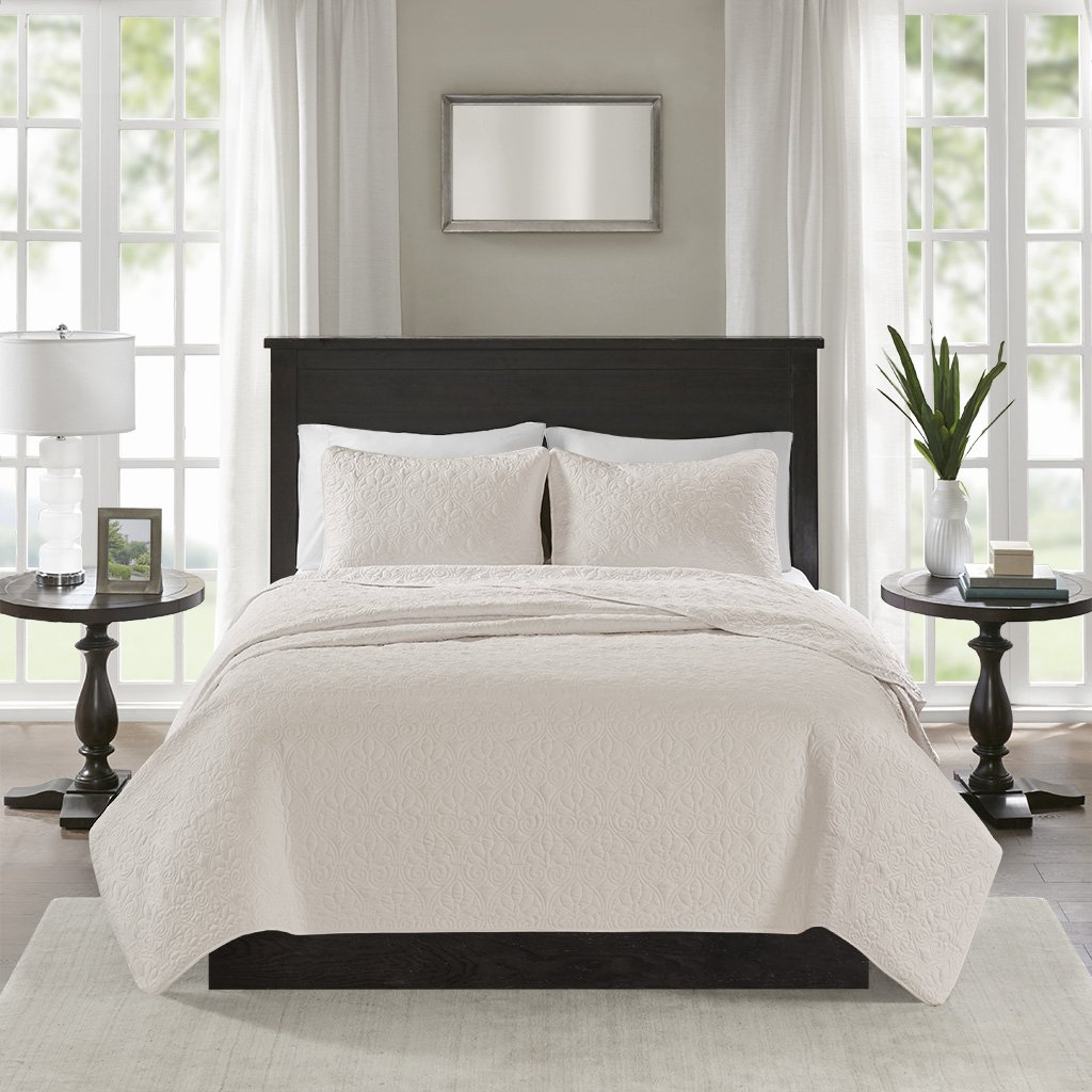 Madison Park Quebec Full/Queen Size Quilt Bedding Set - Ivory, Damask – 3 Piece Bedding Quilt Coverlets – Ultra Soft Microfiber Bed Quilts Quilted Coverlet