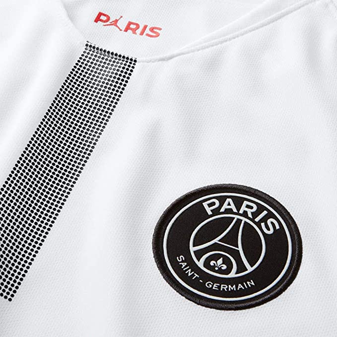 dc784548f127 Amazon.com   NIKE Paris Saint-Germain Jersey (Large)   Sports   Outdoors