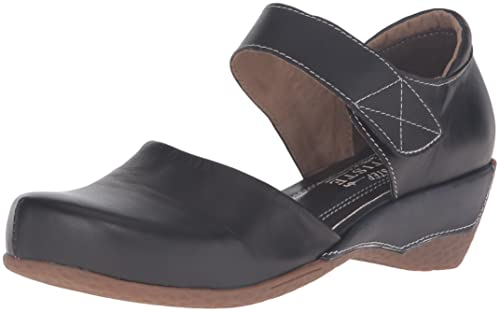 5568edd66eec6 L'Artiste by Spring Step Women's Gloss Mary Jane Flat