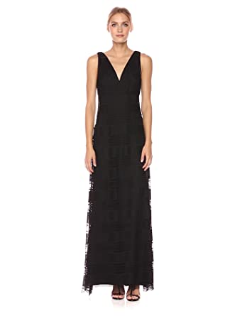645222a6acb Vera Wang Women s Sleeveless Crochet Lace Gown with V Neck